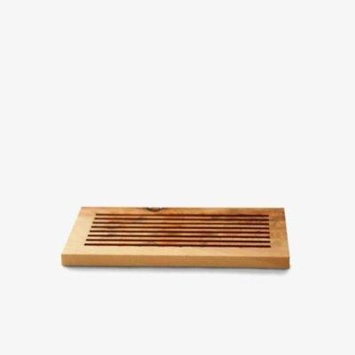 Seifenablage mit Schlitzen aus Zirbenholz oder Lärchenholz