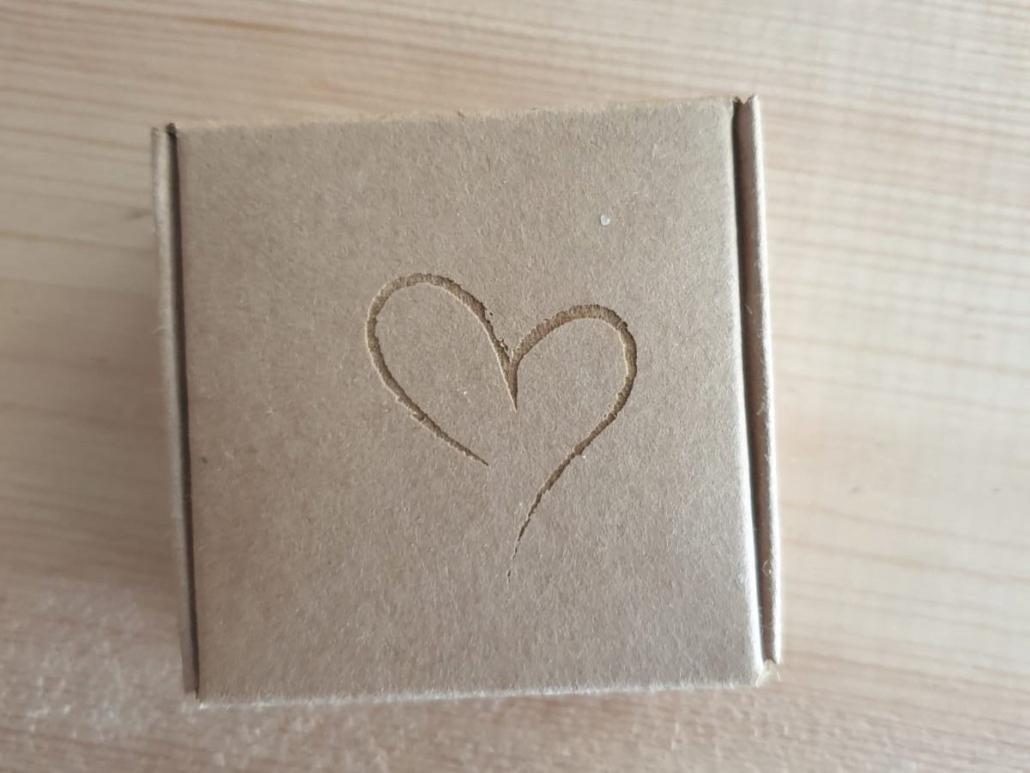 Aus der Lasermanufaktur: Herz auf Karton